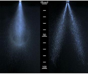 Сравнение систем впрыска.  Слева показано, как новая система Dual Injector впрыскивает топливо в 1 канал.