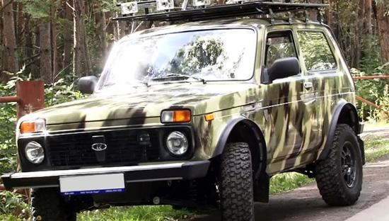 Камуфляжную Lada 4х4 40th Anniversary показали на первом фото