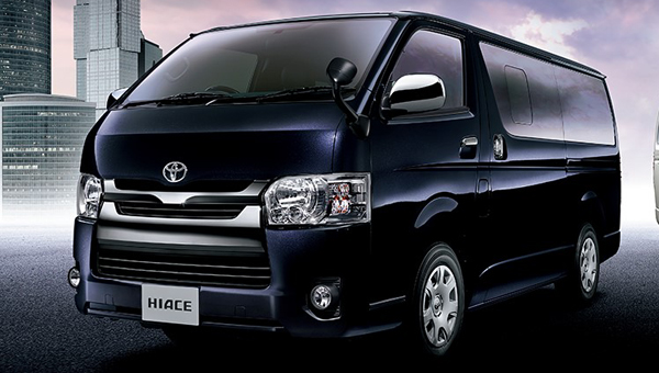 Вначале зимы стартует продажа улучшенного микроавтобуса Тойота Hiace