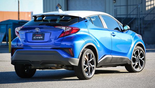 Стала известна официальная стоимость нового кроссовера Тойота C-HR