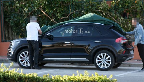 Размещены шпионские фото нового кроссовера VW T-Roc