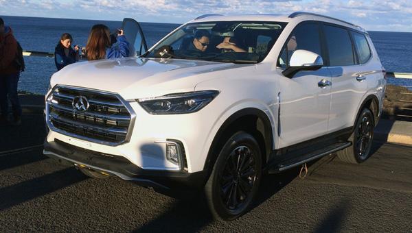 SAIC презентовал новый большой вседорожный автомобиль Maxus D90