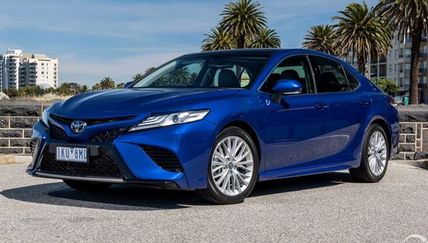 Обновленная Toyota Camry начнет поставляться в Россию до конца 2018 года