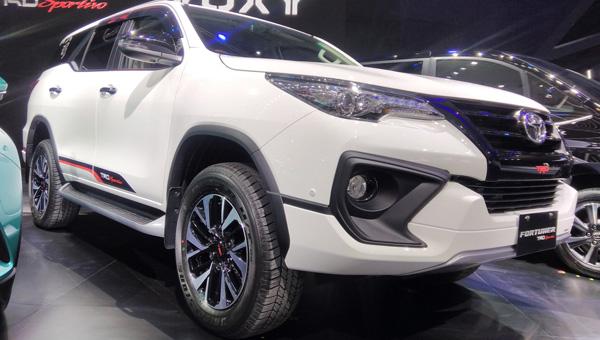 Представлен модернизированный Тойота Fortuner TRD Sportivo