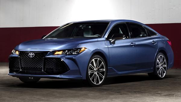 ВДетройте показали новый седан Тойота Avalon