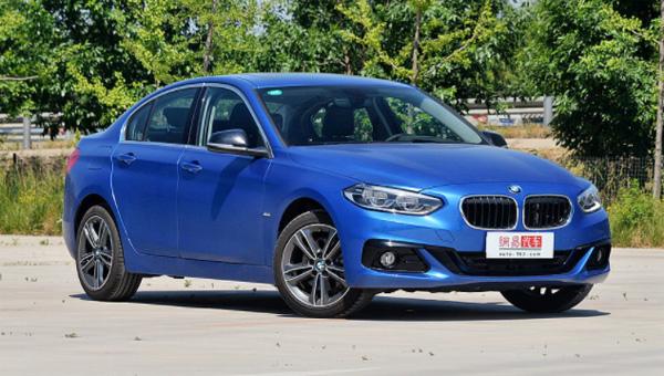 Седан BMW 1-Series 2019 года отправился в продажу