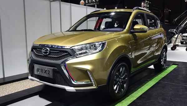 В Китае официально представлен клон lada Xray
