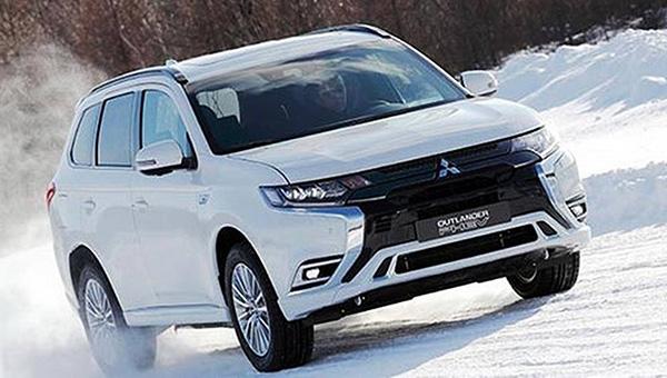Mitsubishi обновила гибридную версию кроссовера Outlander