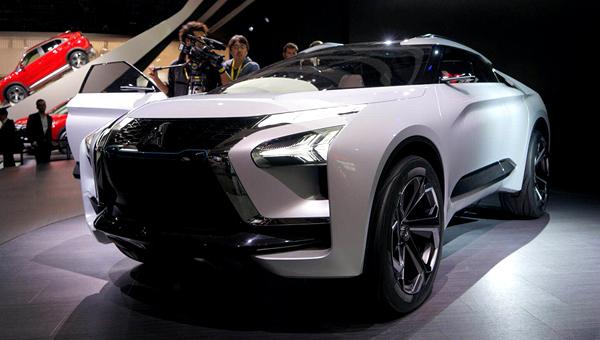 ВТокио 2017 дебютировал прототип Мицубиси e-Evolution