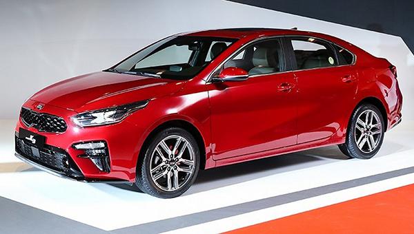 На рынок автомобилей выходит новый седан Кия Cerato