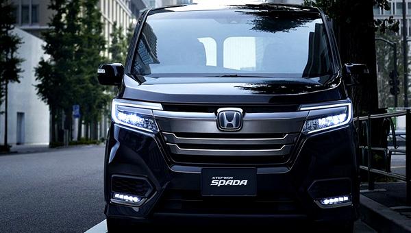 Улучшенный минивэн Хонда Stepwgn появился вяпонском рынке