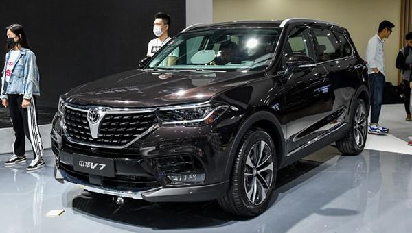 Флагманский вседорожный автомобиль  Brilliance V7 появится нарынке  летом