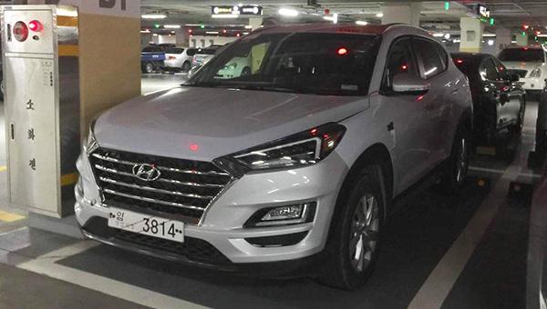 Новый Hyundai Tucson заметили вшаге отдилерского центра class=