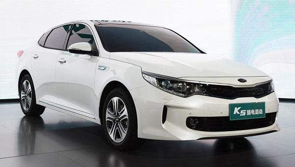 Рестайлинговый гибридный седан Киа К5 появится нарынке этим летом