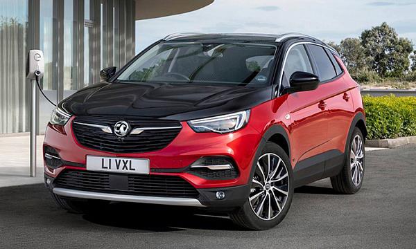 Появились фотографии семиместного внедорожника от Opel
